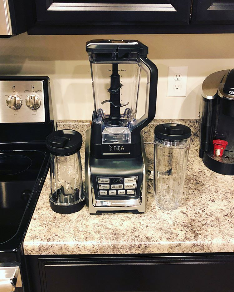 Nutri Ninja single blender with Auto-iQ
