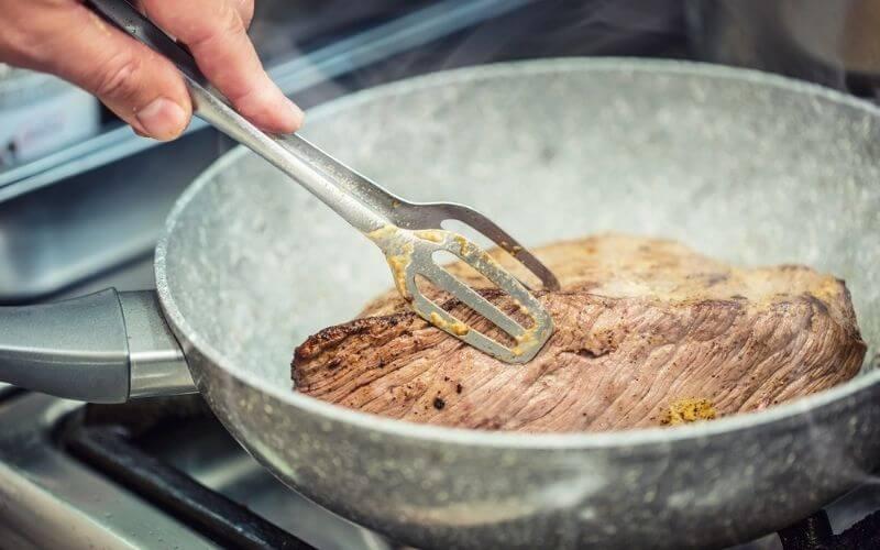 Cleaning Ceramic Pan