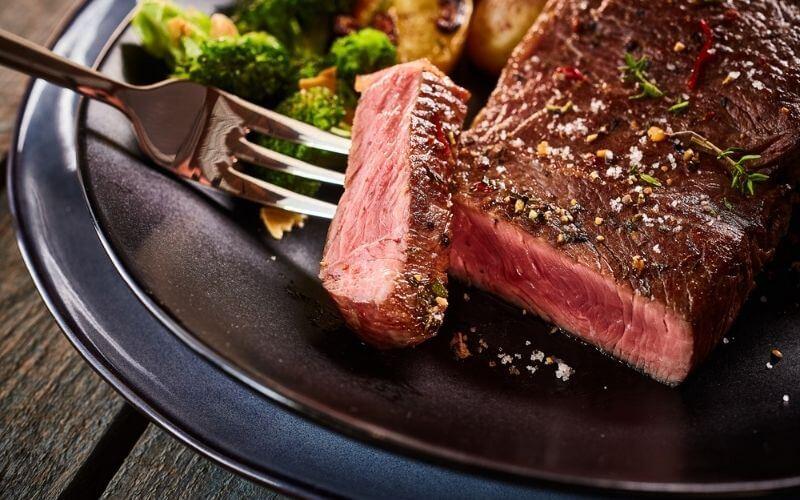 best way to cook flank steak indoors