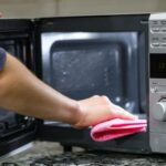 cleaning toaster