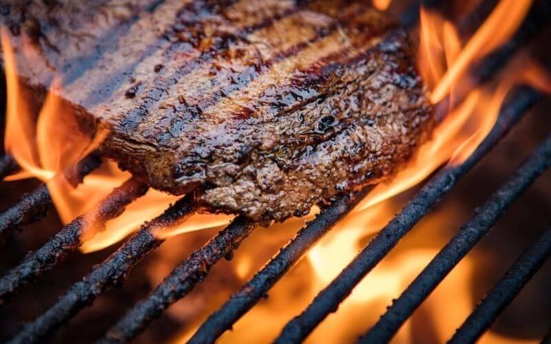 preparing flank steak