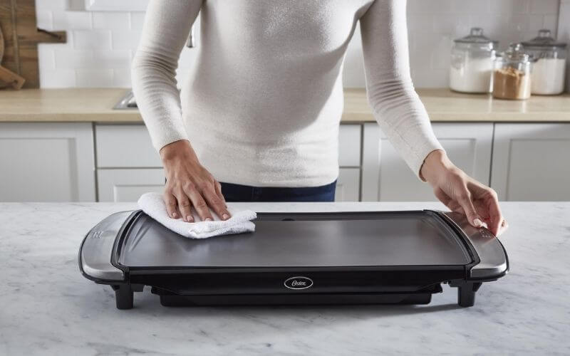 how to clean a pancake griddle