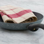 clean calphalon pans